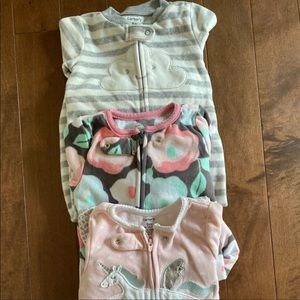 Lot of 3 Carter's onesies size 9m